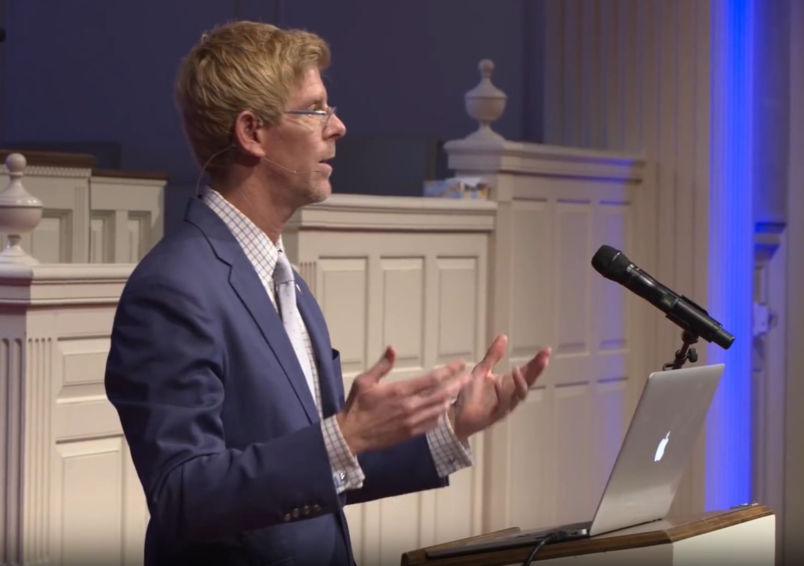 Jay Richards speaks at 2019 Dallas Science and Faith Conference at Park Cities Baptist Church in Dallas sponsored by Discovery Institute's Center for Science and Culture